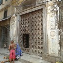 Stone Town is an eclectic mix of cultures and traditions that still stand strong today. The famous Zanzibar door is symbolic of the social status and wealth of the home owner.